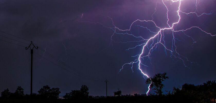 ¿Quieres saber la distancia a la que te encuentras de un rayo y de una tormenta eléctrica?